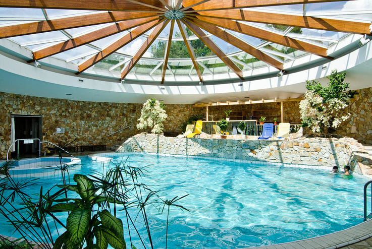 Hotel Flóra**