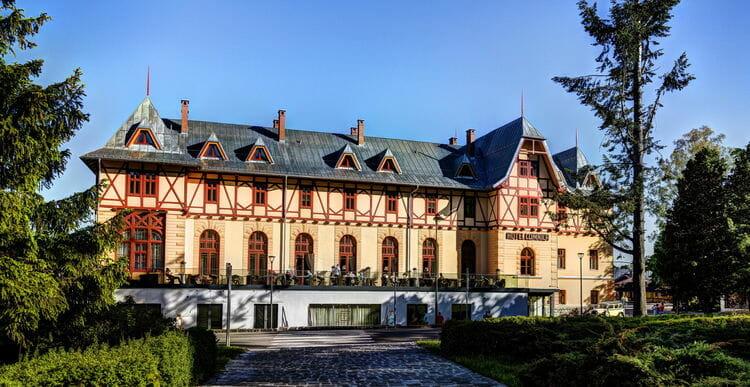 5e762eab5a Hotel Lomnica spája prvotriedne ubytovanie v nádhernom prostredí s  vynikajúcimi službami