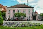 Hotel uzdrowiskowy Pro Patria**
